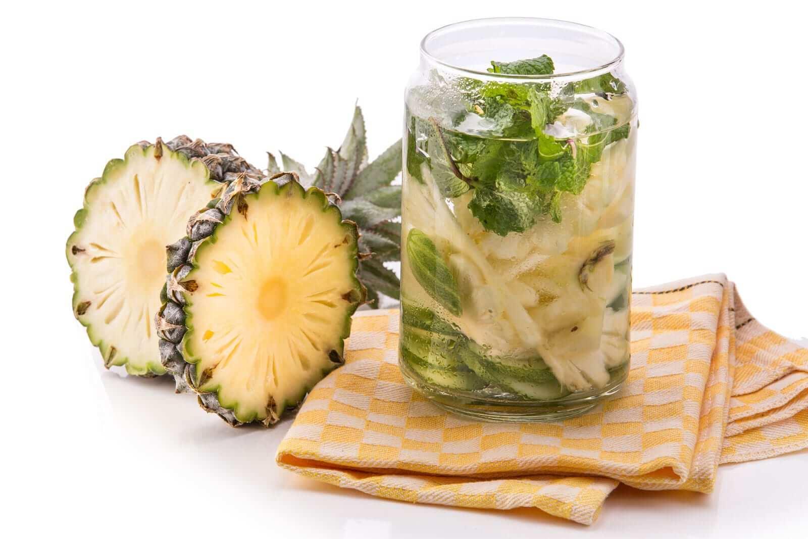 Ananas Basilikum detox wasser rezepte