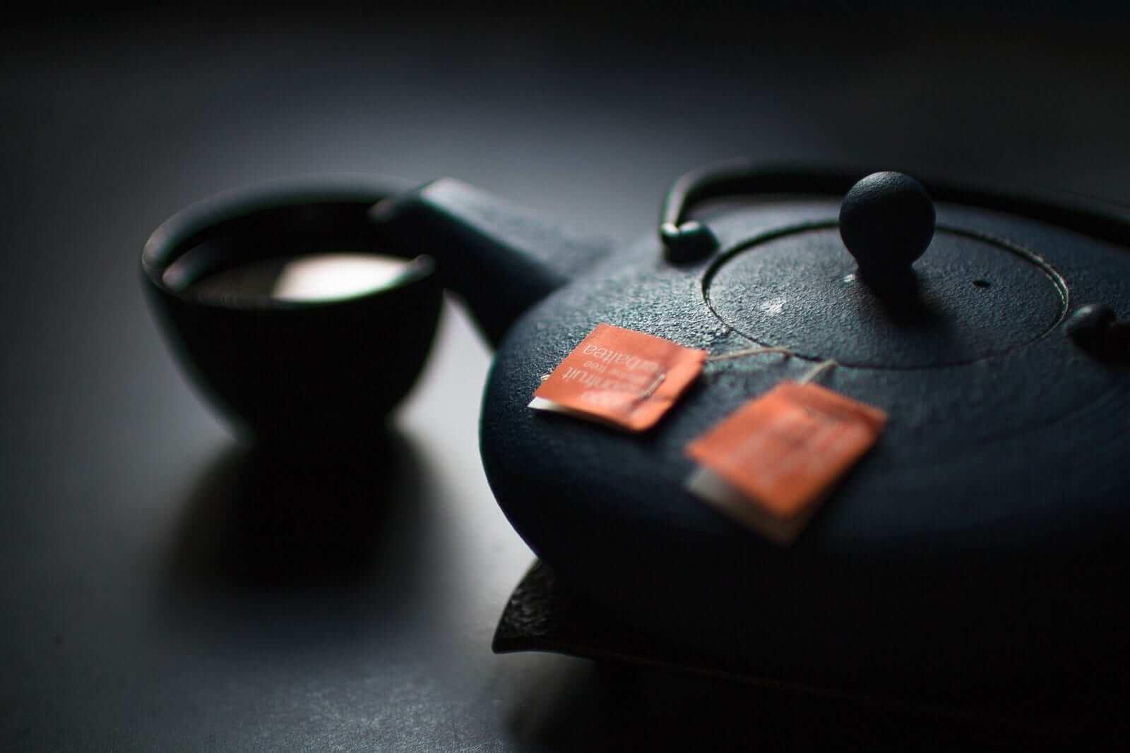 Japanische Teekanne mit Tasse