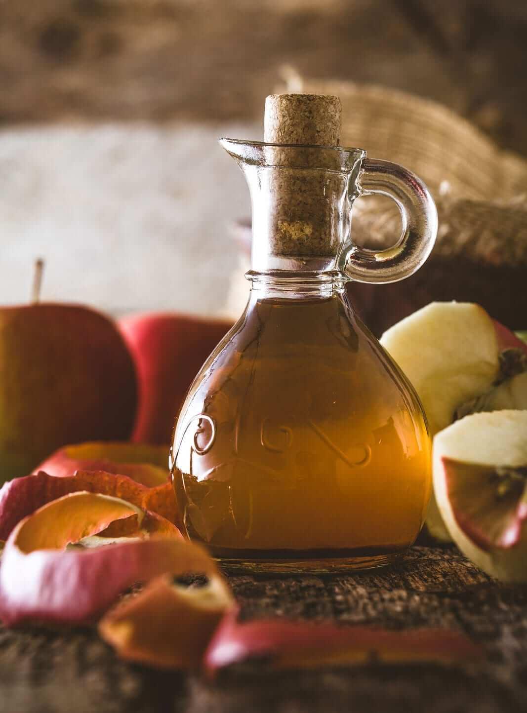 Apfelessig hilft gegen Pickel