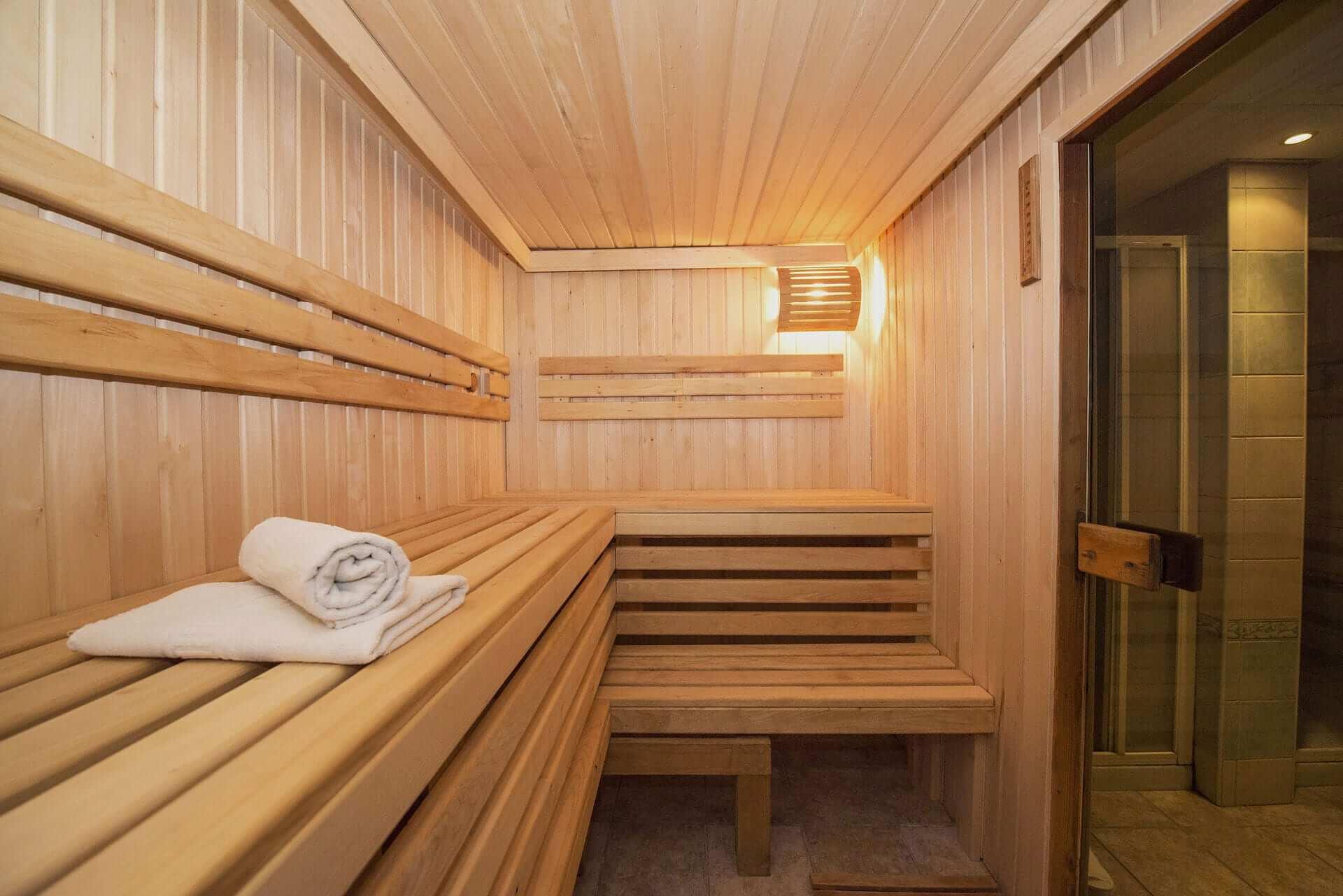 Sauna aus Holz von innen