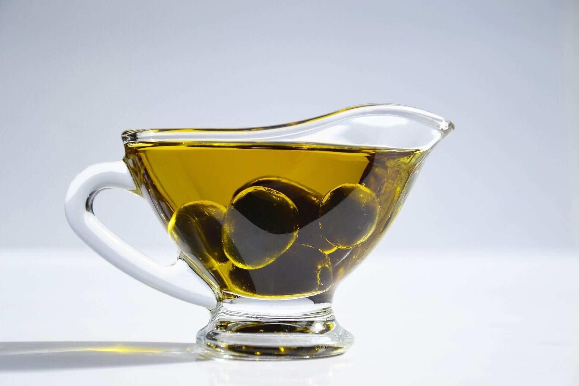 Olivenöl gegen Dehnungsstreifen