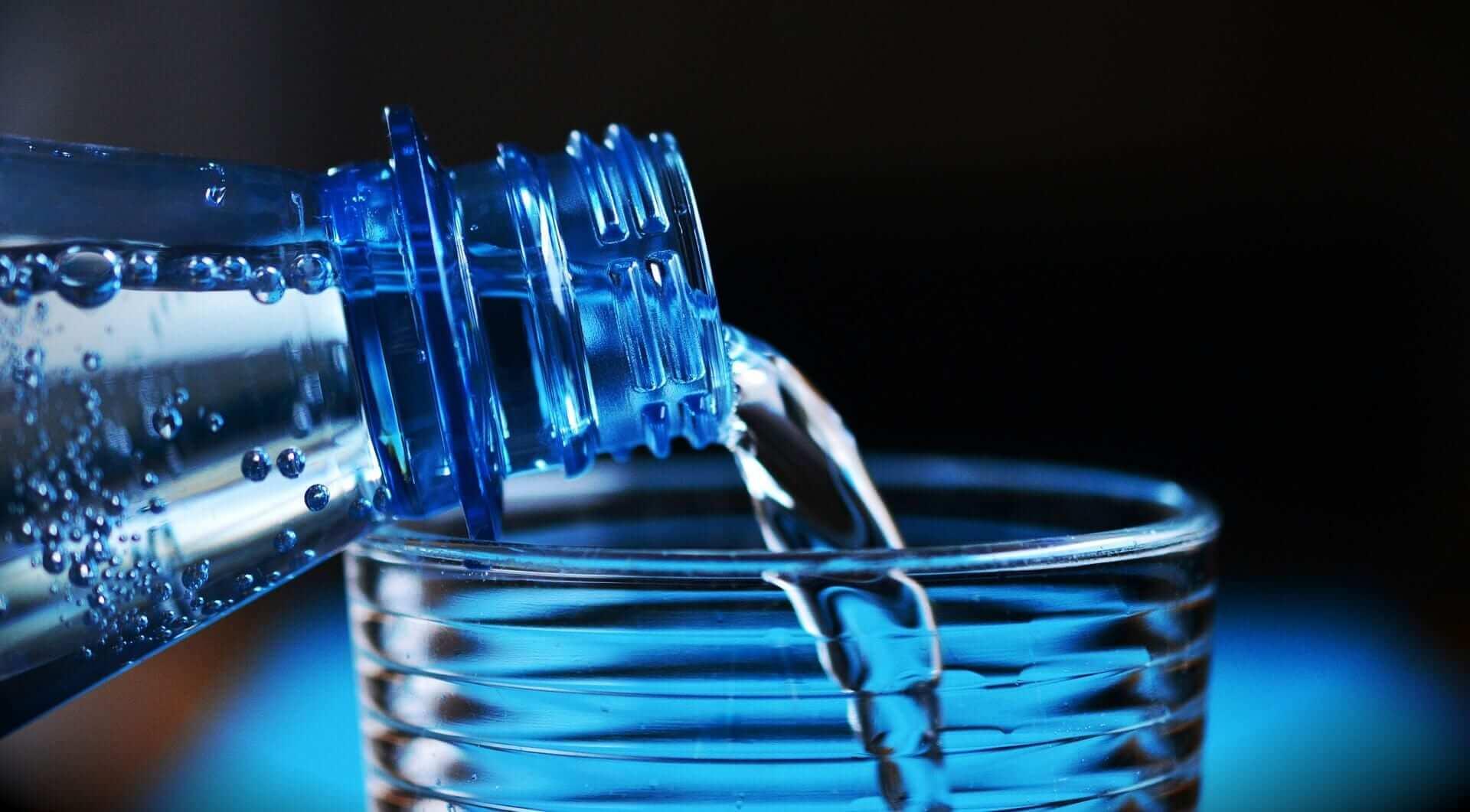Wasser gegen Dehnungsstreifen
